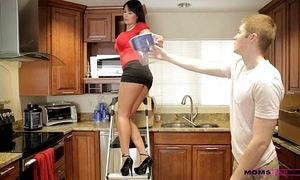 Mamas lead sexual connection - the brush girlfriend jizzed on the brush mommys tits