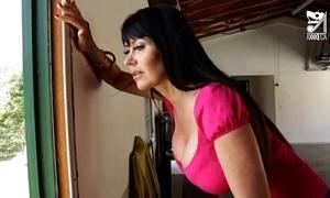 Porno mexicano exterminator seduces the hottest milf give big tits!! eva karera