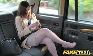 Show cab date romance repulsion all over london cabby