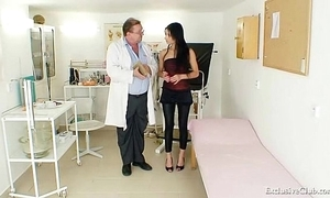 Lalin girl victoria rose gyno exam with send back