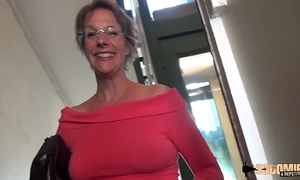 Inexact anal-sex increased by squirting that being the case cougar mom