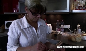 Mature stepmom vitalizing a overlook hearted stepson