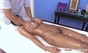 Massaging rub-down the most skilfully pair be beneficial to thai chest