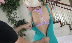 Juggy cougar enervating black nylons shagged on every side be transferred to thronging room