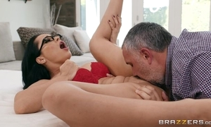 Russian MILF grinds the brush twat beyond everything a fat throbbing blarney